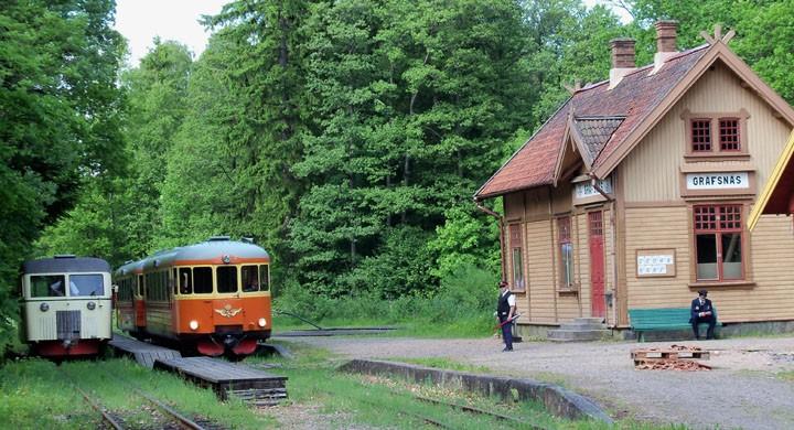Ändhållplats Gräfsnäs station.