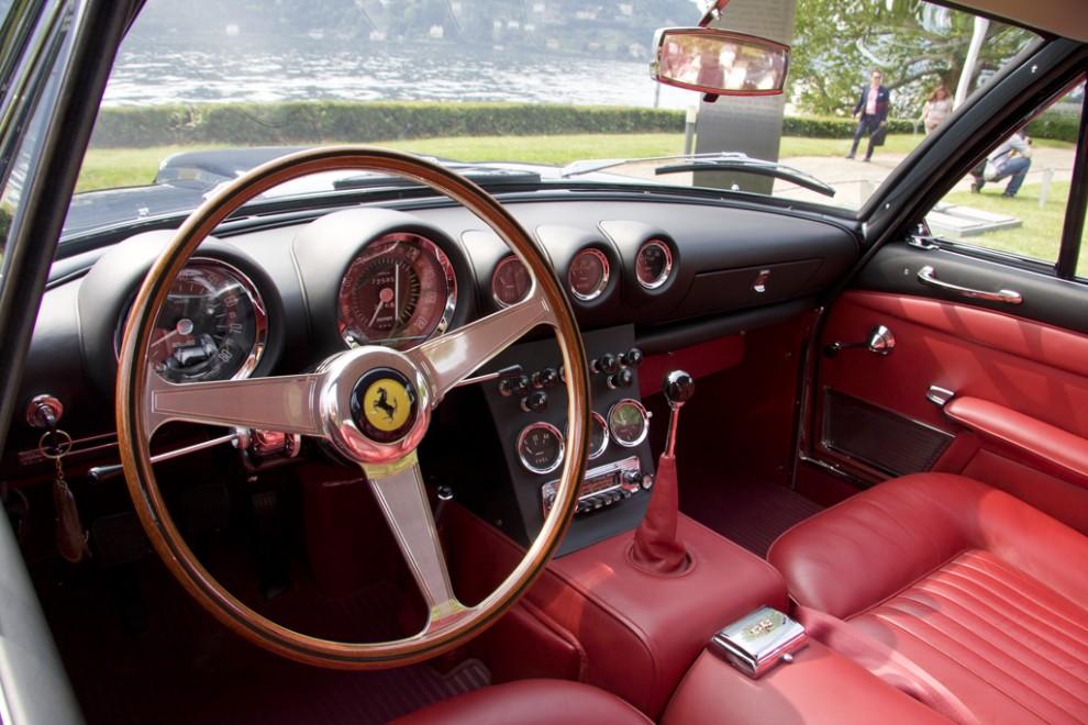 Om du undrat hur en Ferrari 400 Superamerica Aerodynamic 1962 ser ut inuti kan du sluta nu.