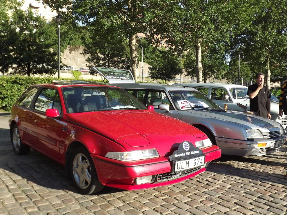Volvo 480 klubben på plats med ett par av den egendomliga modellen,