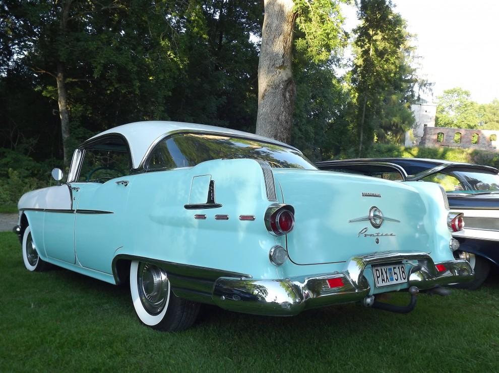 Pontiac Chieftain 1956, detta år byggde Pontiac över 100 000 fyrdörrars hardtopbilar, vart tog dom vägen?