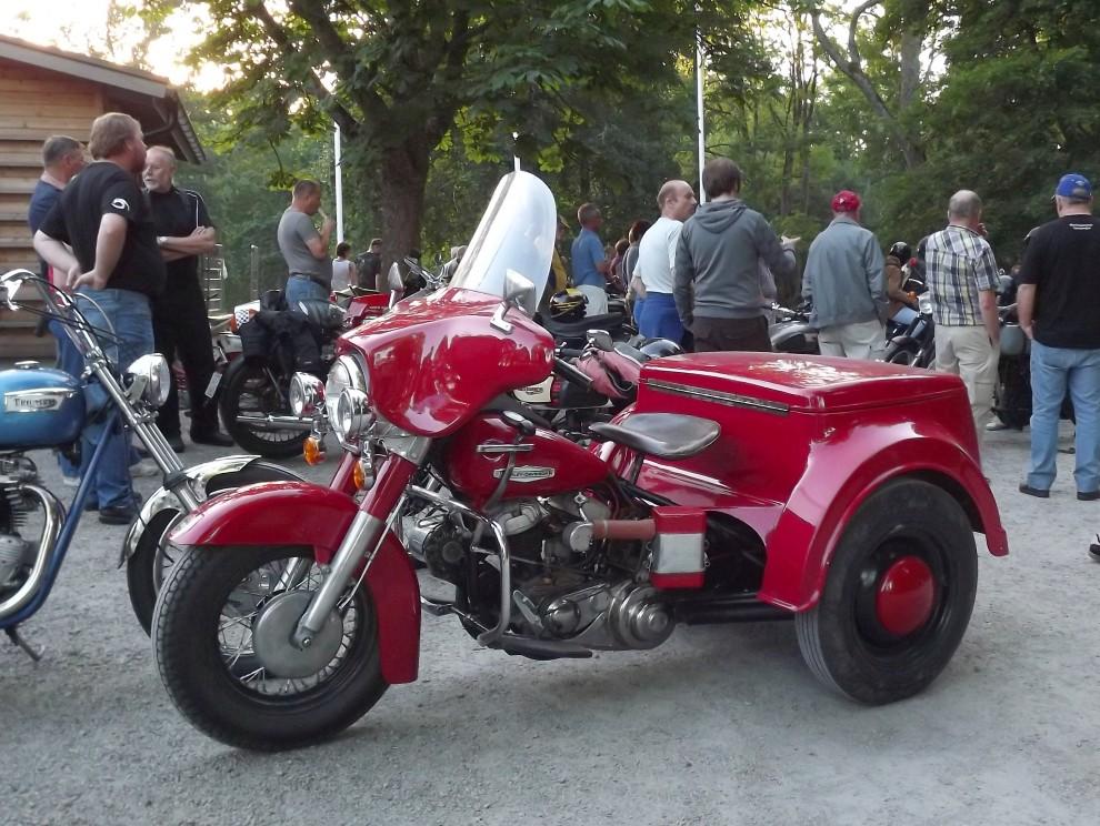 Harley Davidsons Servi-car är en ganska okänd modell för oss, men denna trehjuliga packåsna byggdes från 1932 ända fram till 1973