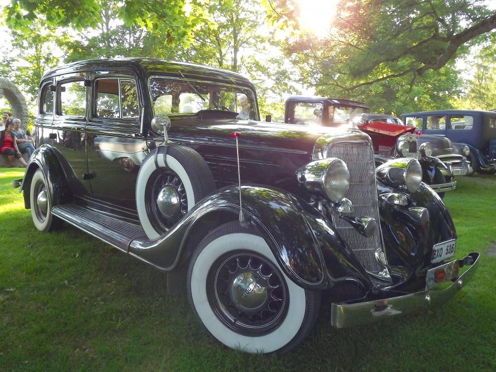 Dodge DR 1934 i motljuset