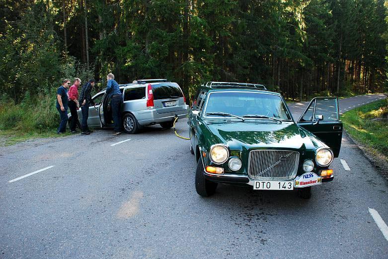 Pressbilen, Fredriks 165 får rycka ut och göra en insats när en fotograf råkade ut för en liten malör.