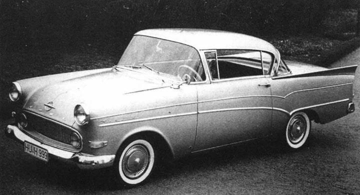 P1 coupe 1959 med usa-influenser och vassa fenor.
