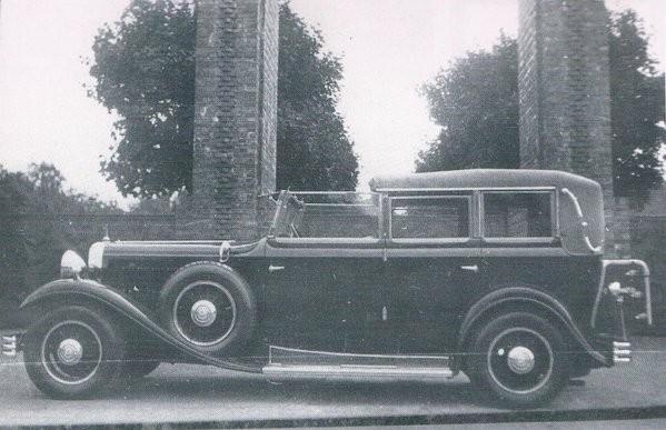 Audis mäktigaste modell kallades typ R Imperiator, här med lyxigt town car karosseri 1929.