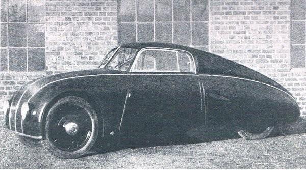 Under senare delen av 1930-talet börjde strömlinjeform komma på modet, detta är en prototyp åt Imperia, en motorcykeltillverkare från Bad Godesber sommed Autenrieths hjälkp gjorde denna enda bilprototyp.