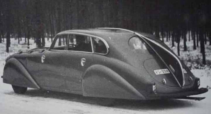 I princip samma design applicerades på denna extrema Adler Diplomat byggde på beställning åt en kund i London 1938.
