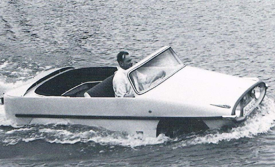Hans Trippel var etablerad inom fältet amphibiebilar, det var även han som låg bakom den välkända Amphicar på 1960-talet.  Prototypen till denna kallades Aligator och byggdes av Autenrieth 1959.