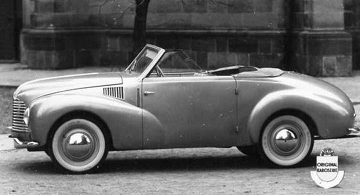 Aero Minor hade ingen koppling till förkrigstidens Aerobilar, utan hade släktskap med Jawa. Sodomkas Aero Minor cabriolet kom dock aldrig ut på marknaden