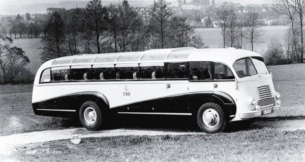 Busskarosser kom att byggas i stor skala hos fd Sodomka, här en Skoda 706 från 1947.