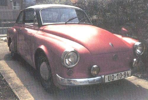 Av okänd anledning gjordes en kaross som sattes på ett VW-chassi någon gång runt 1950