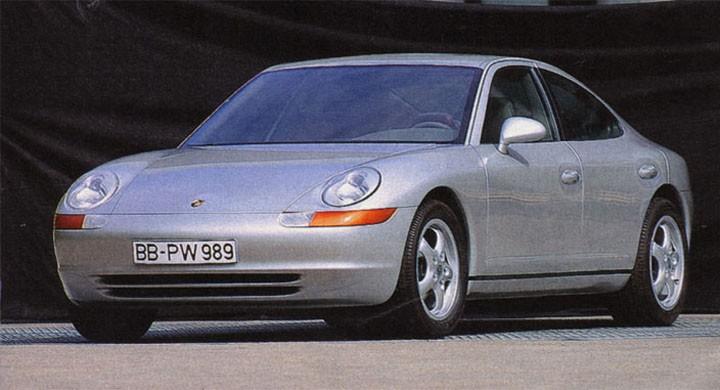 1989 siktade Porsche på marknaden för lyxiga sportsedaner, men projekt 989 föll inte väl ut, tiden var inte mogen för en fyrdörrars sport-Porsche, det skulle dröja 20 år innan man provade igen och fick en succé med Porsche Panamera
