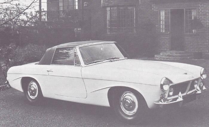 Jensen gjorde en ersättare till CV8 som kom att kallas P66. Men efter en coupe och en cabriolet byggts på prov gjorde man en helomvändning och vände sig till Carozzeria Touring i Italien som ritade en radikalt annorlunda Interceptor år Jensen.
