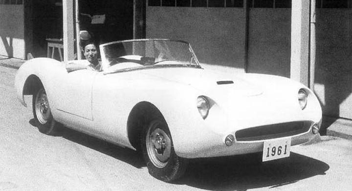Yamaha är inte kända för sin karriär inom bilbranschen men mindre känt är att dom legotillverkar en hel del modeller åt de större tillverkarna. Dessutom har dom emellanåt gjort ett par egna trevare med fyrhjulingar. YX-30 är från 1961.