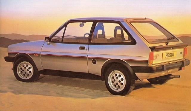 Storbror Sierra hette XR4 så den lite rivigare lillebror fick heta Fiesta XR2