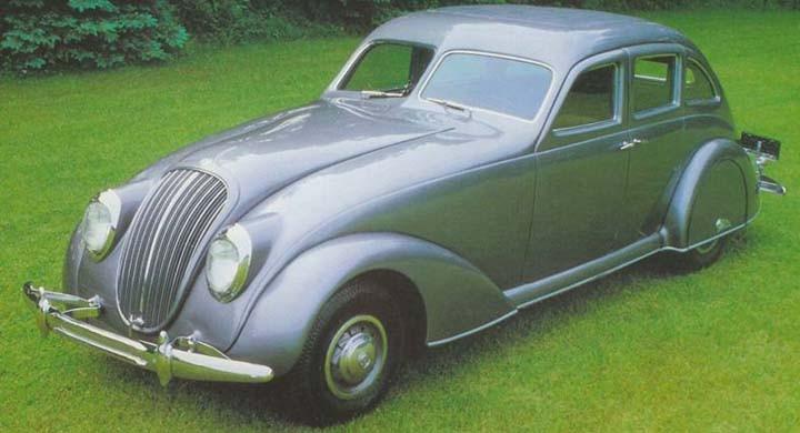 Bendix är kända för bland annat sin innovation Bendix-drevet som än idag triggar igång startmotorer världen över. Men förutom sina bidrag inom det bilelektriska så presenterade man 1934 denna välbyggda och avancerade sedan med påtagliga influenser av tidens strömlinjemode.