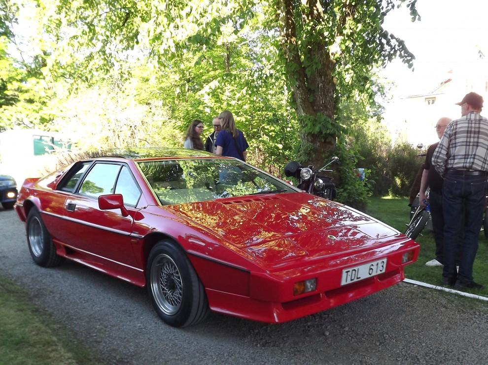 Och modernare Lotus, Esprit från 1984