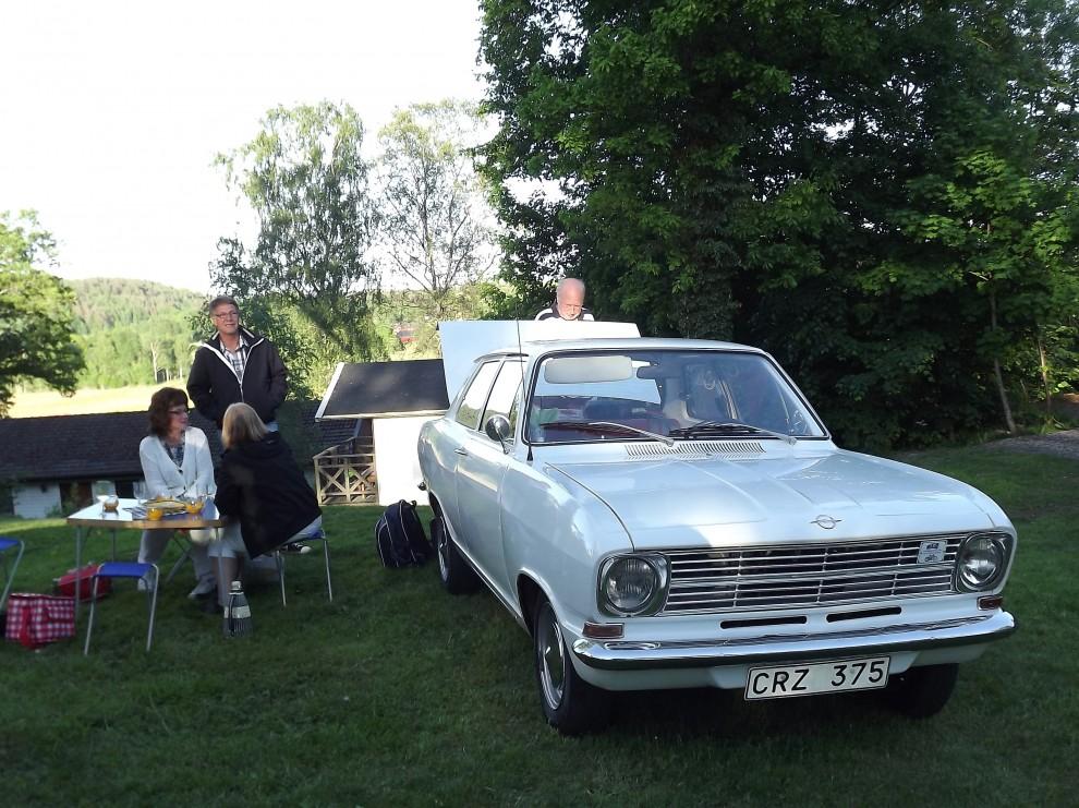 Och picnic är ju temat, som här vid denna Opel Kadett