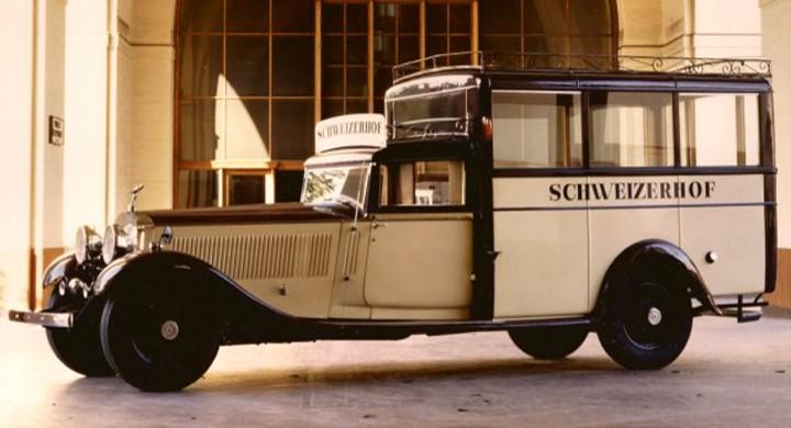 Rolls Royce är inte vad man förknippar med praktiska kombis, men en del har beställts så genom åren. Oftast har det rört sig om att man modifierar tidigare karosseri, som i det här fallet. Beutler i Schweiz fick i början av femtiotalet i uppdrag att bygga den här praktiska minibussen åt det exklusiva hotellet Schweizerhof, bilen är från början en Phantom II från tidigare delen av 30-talet.