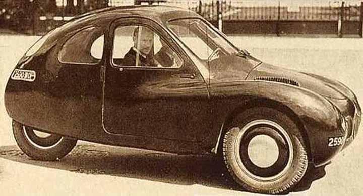 Många tillverkare insåg att efter kriget var det små billiga folkbilar som gällde. Mathis försökte göra comeback med ett par prototyper. Trehjuliga VL333 från 1946 liknade inget annat, och kom inte heller förbi prototypstadiet.