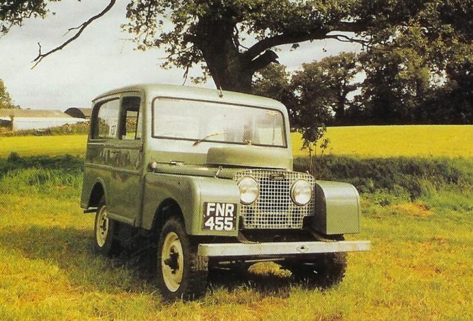 Långt före Range Rovern byggdes Land Rover Estate car 1949.  Hel laminerad vindruta och plats för sju personer i den ombonade kupén, som hade läderklädsel och träpanel. Karossjobbet gjordes hos Tickford men den blev mycket dyr. Drygt 700 stycken lär ha sålts, de allra flesta gick utomlands.