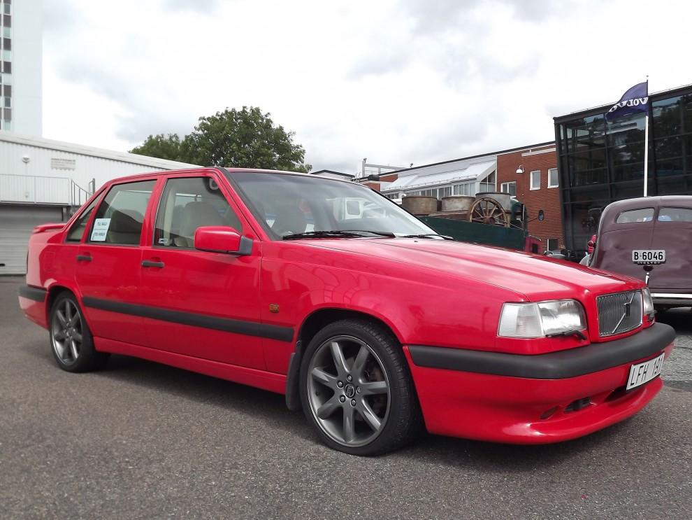 Framtida klassiker, Volvos 850R-modeller stod för en annorlunda image än Volvo annars var förknippad med. Sportigt, färgstarkt och snabbt. En populär bil att trimma och stajla så frågan är kommer det ens finnas någon oskruvad original-R kvar i framtiden?