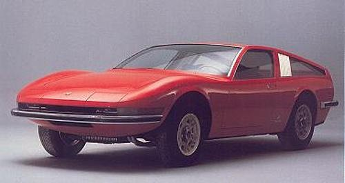 Fiat Dino skulle kanske fått se ut så här, men det kom den inte att göra. Stilstudie från Pininfarina 1967.