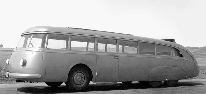 Strömlinjeformad Skoda från 1938, såhär slimmade blev dock inte bussarna då eller senare.