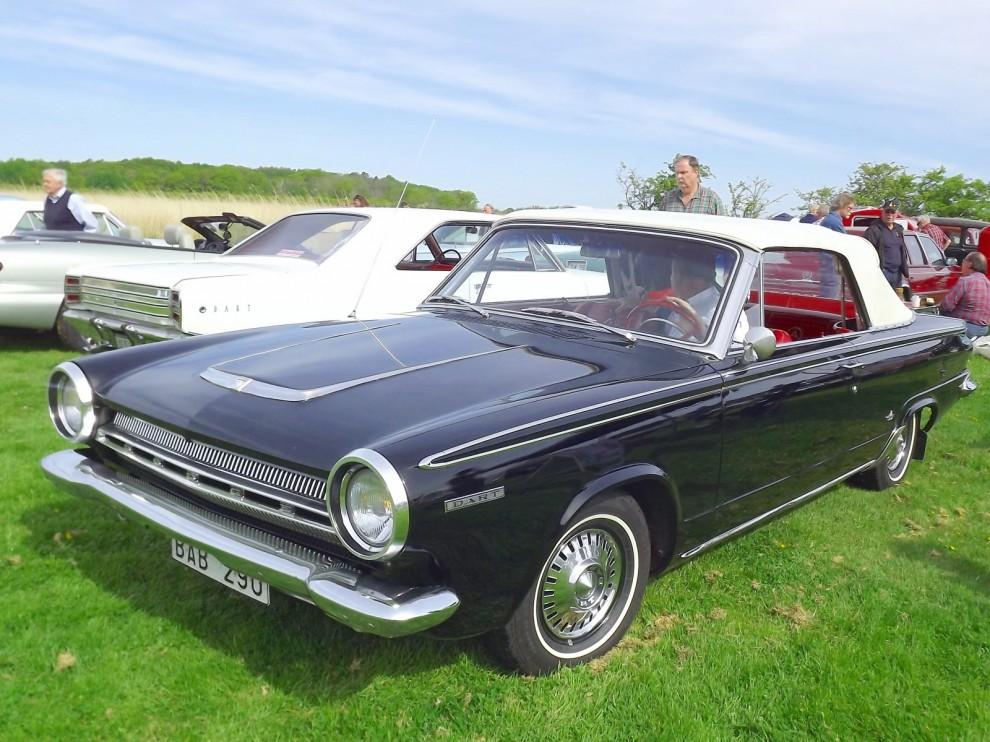 Mer diskret men absolut ovanlig, Dodge Dart cabriolet. Den här har rullat i samam familj sen den var ny och är orenoverad.