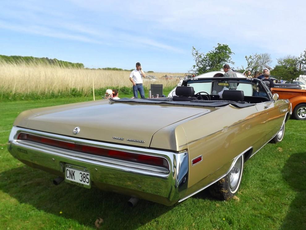 """Chrysler 300 från 1970, dessa """"fuselage""""-karosser är lika stora som dom ser ut."""