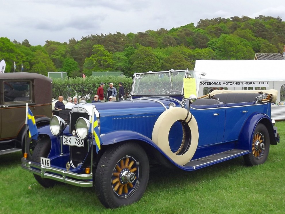 Blandade Buickar, en tourer från 1929, förste ägare var ingen mindre än Kung Gustaf den femte. Då han var en reslig monark försågs bilen med en fyra tum högre vindruta.