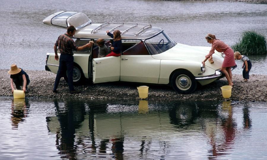 Citroën ID break blir ompysslad av sin familj, fast tvätta bilen med sjövatten?  Kan man göra det mer galet?