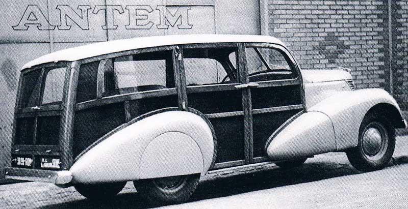 Fransk Ford, en modell 472, med träkarosseri från Antem