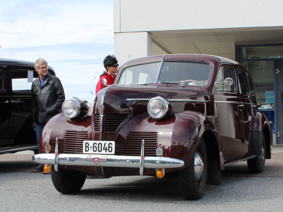 Några äldre Volvo på plats , PV60
