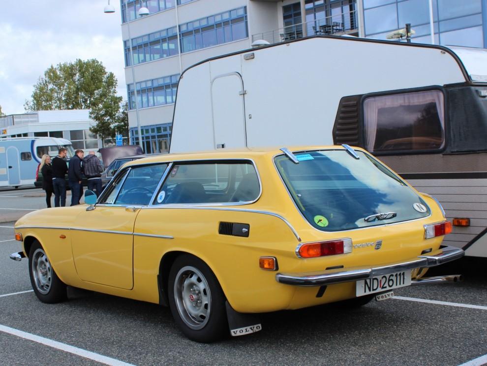 flera Färgglada 1800ES fanns på plats, knallgult från Norge