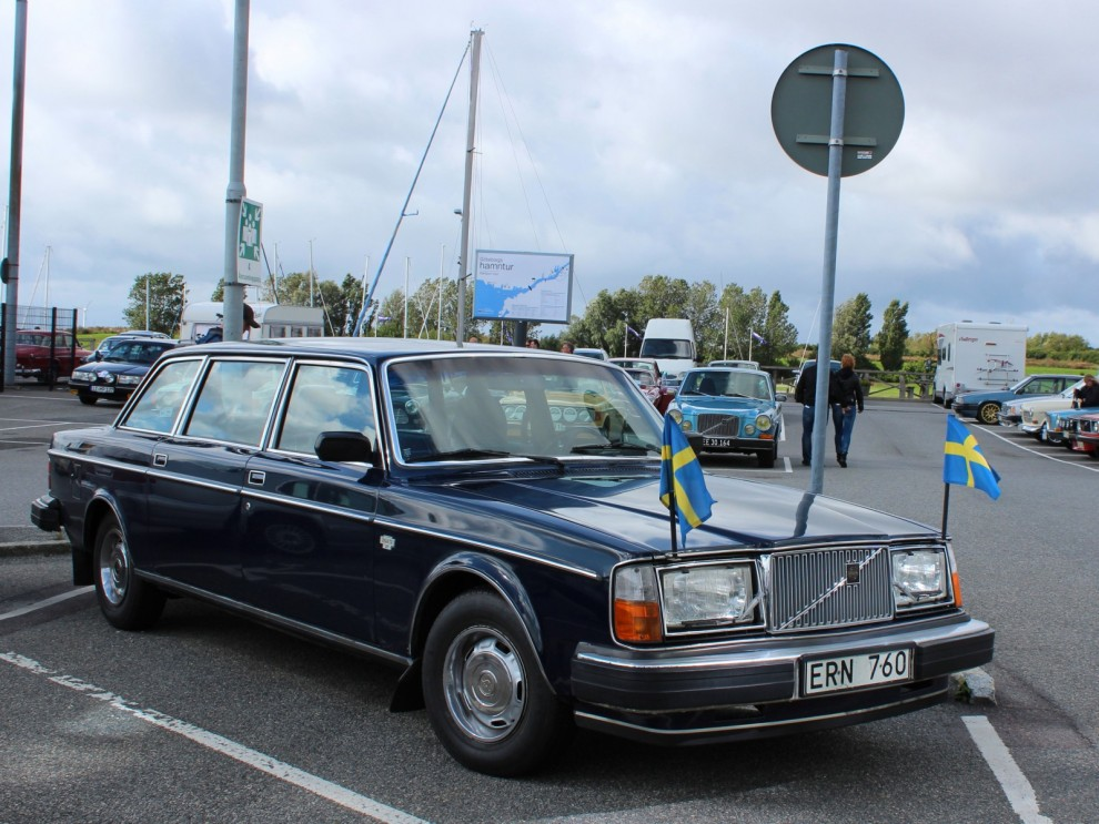Top Executive, 264TE var en dyr pampig vagn byggd i ganska få exemplar. Man uppskattar att 335 stycken av dessa byggdes. Köparen var antingen en prominent direktör eller östtysk toppolitiker, för nästan hälften av alla 264TE såldes till andra sidan berlinmuren.