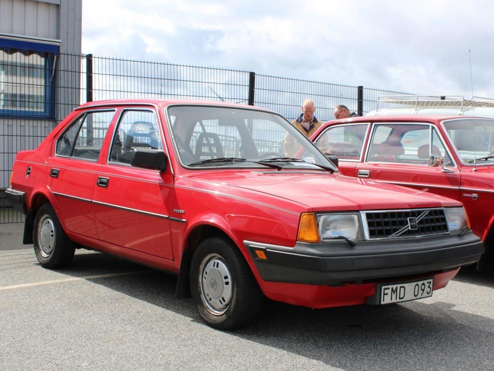 Hollandsvolvos var det glest med på VROM i år, en fin överlevande 360 får representera hela 300-serien.