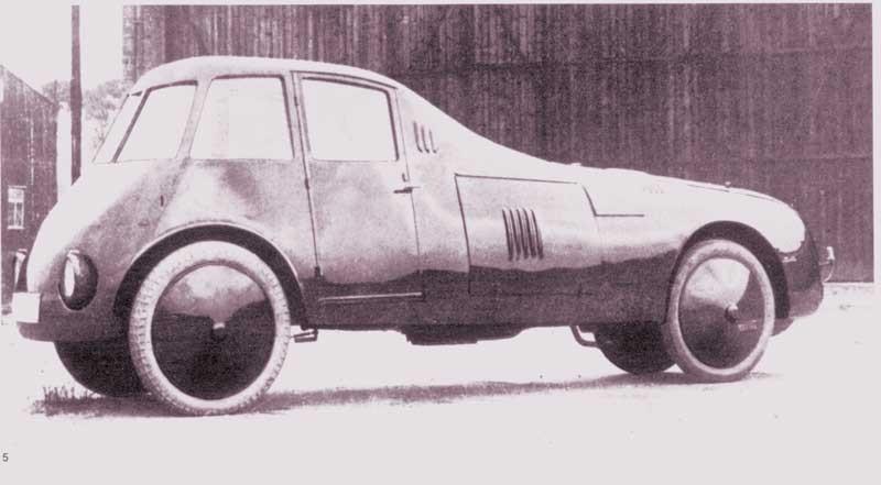 Den rumänska ingenjören Aurel Persu byggde denna egendomliga prototyp 1922, detta var den första bilen där man placerade hjulen innaför karosskanten, Aurel var decennier före sin tid med det tänkandet och aerodynamiken på denna tingest var exceptionellt bra även med moderna mått. cw 0,28 har uppmätts i modernt vindtunneltest.