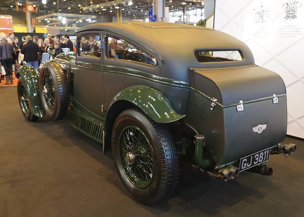 Barnatos Bentley byggdes 1930 och är en 6 ½ Litre Speed Six. Motorn hade fyrventilsteknik och bromsade 180 hkr. Karossen är byggd av Gurney Nutting i en för denna bil unik stil. Helt säkert lär det inte vara att detta är bilen Barnato vann vadet med. Han hade en annan Bentley som han kan ha använt. Det är i alla fall den utställda bilen som kallas The Blue Train Bentley. Idag ägs den av en amerikan.