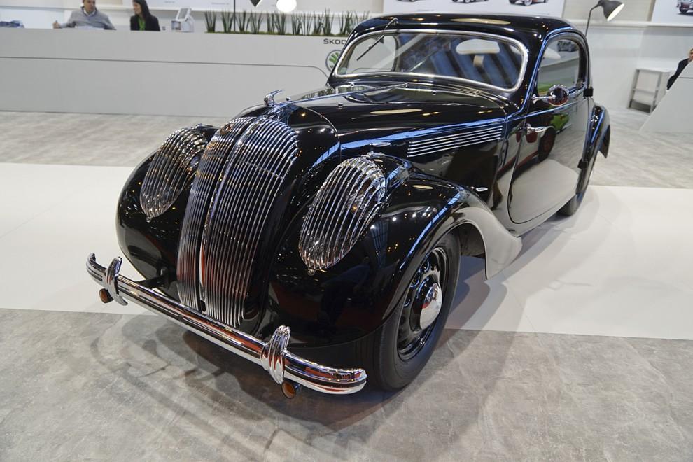 Skoda har en trevlig traditionsavdelning och brukar överraska på Rétromobile med någon mindre känd modell eller prototyp från sin storhetstid före både kommunismen och VW. Den här lilla coupén i Art Decostil kallades Monte Carlo och tillverkades 1936.