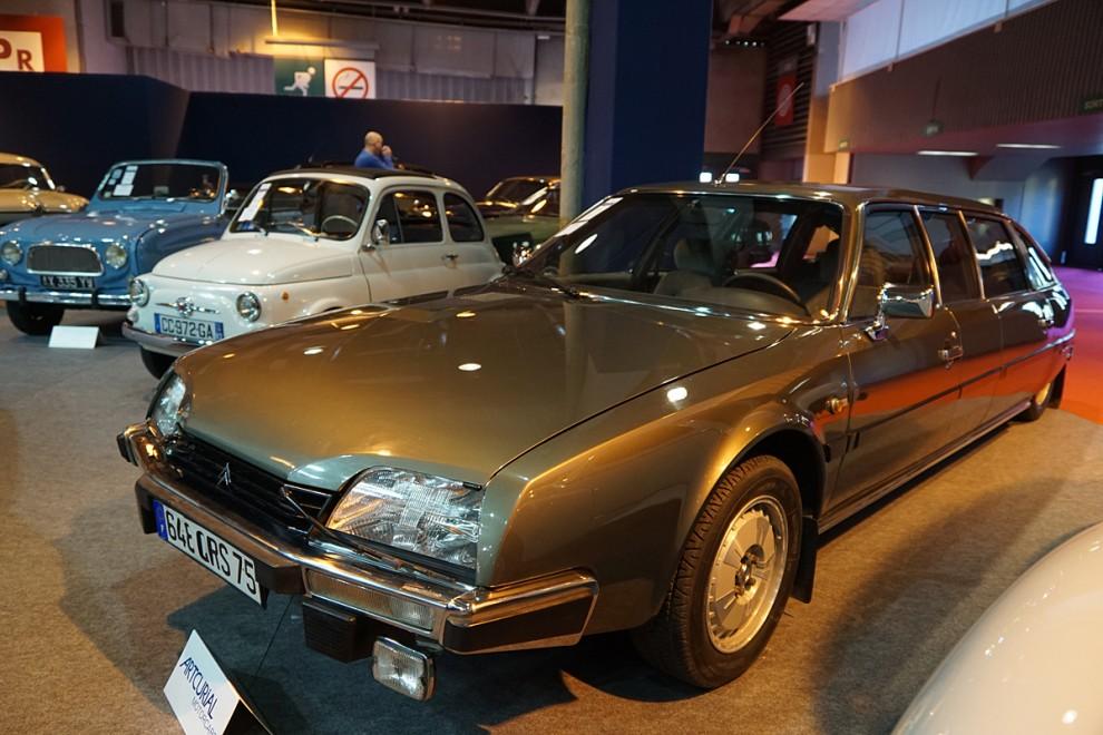 Nu till något helt annant – en Citroën CX rallongée par Nilsson – dvs förlängd av Nilsson Karosserifabrik i Laholm. DDR-bossen Honeckers sista tjänstebil – mot slutet bytte han ju från Volvo. Såldes på auktionen för 95 360 euro.