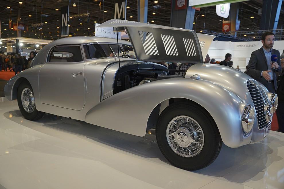 Ett enda exemplar av Mercedes-Benz 540K Stromlinien-Limousine byggdes 1938 som experimentbil för tyska Dunlopfabriken. Särsklit vacker var den inte och detta är en nyuppbyggnad för Daimler-Benzmuséet.
