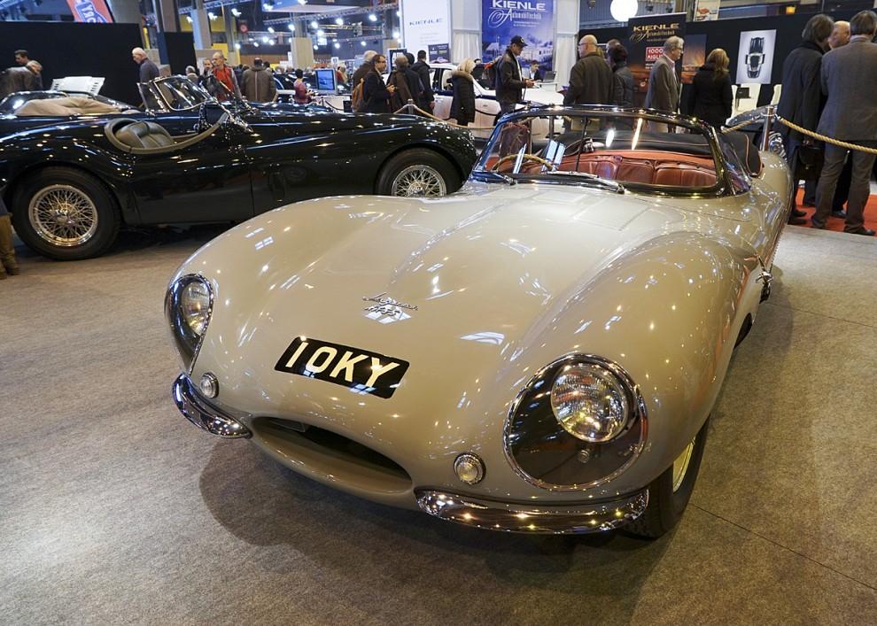 En verklig raritet – en Jaguar XK-SS , en för trafik registrerbar version av tävlingsbilen D-type.