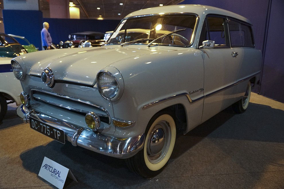 Det var länge sedan man såg en Ford Taunus Combi 15m från 50-talets mitt men här stod en och väntade på att bli bortauktionerad. Den var i perfekt skick och nye ägaren fick betala 25 000 euro för att kalla den sin!