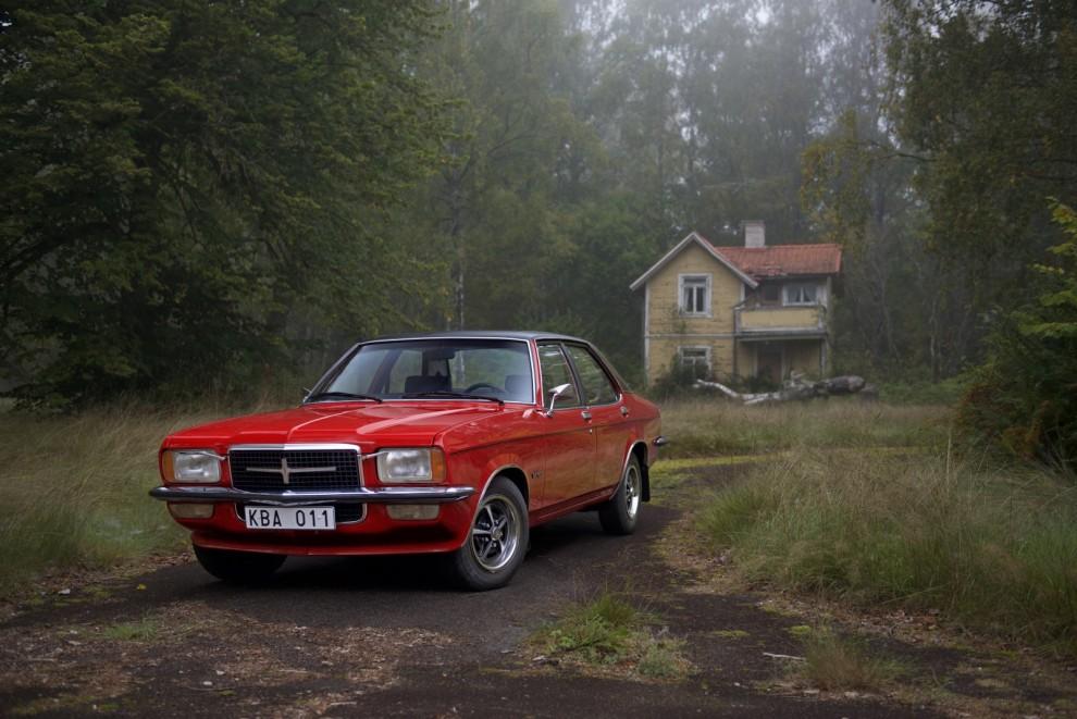 – Och så en Vauxhall förstås, och inte vilken som helst. En VX490 med femväxlad låda. Tysk visserligen, men ändå.