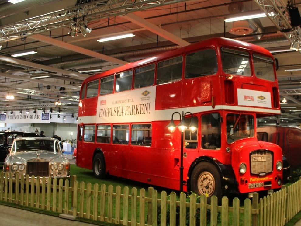 Engelska parken på Elmia, med Rolls Royce Silver Shadow. Bussen är en Bristol.