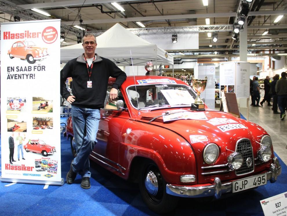 Gunnar Skog med Saaben som blevframröstad av er läsare till Årets Klassiker, I MHRF:;s monter berättade han om den äventyrliga Monte Carloresan som var följetong här förra året.