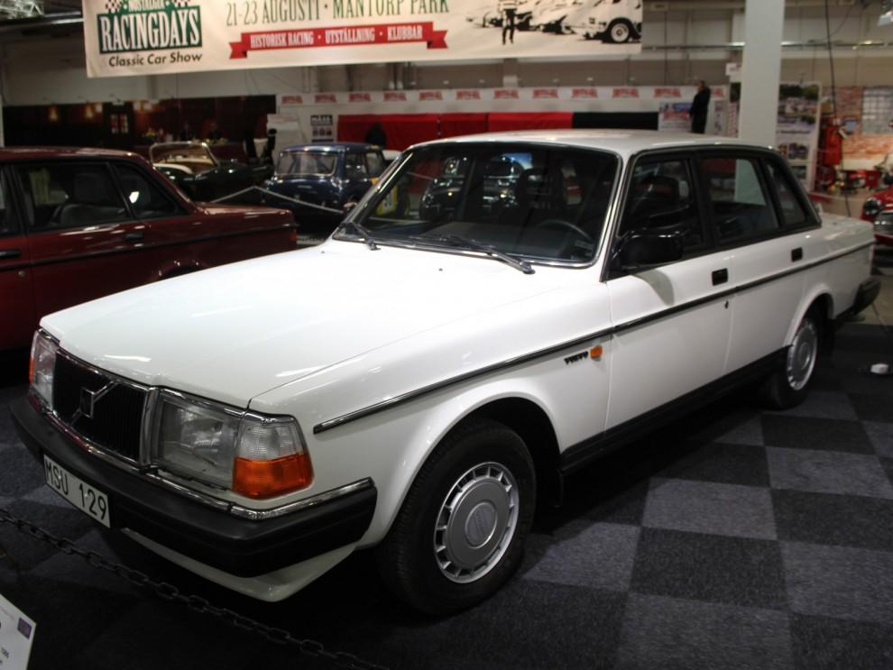 En 240 från 1986 i nyskick, med bara 41 mil på mätaren är denna bil närmast unik.