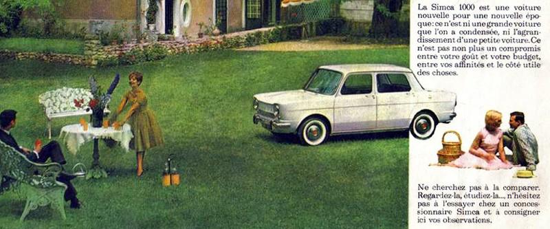 På franska, med Simca 1000 1963. Finmöblerna i trädgården är framme.