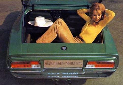 Tar igen sig lite i en Alfa Romeo Montreal,